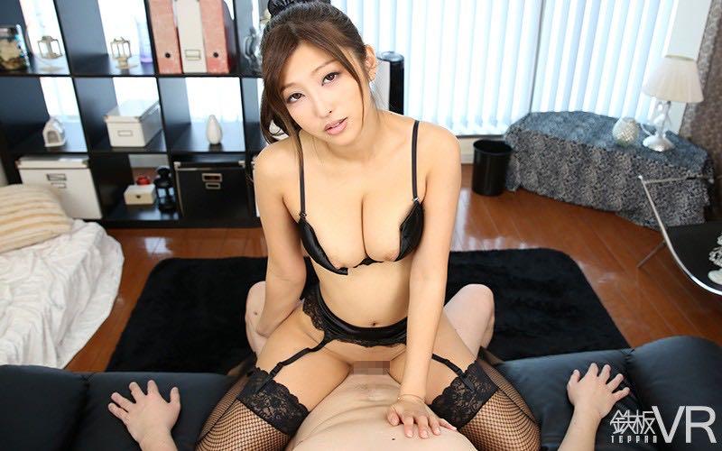百多えみりのVR動画